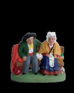 Couple de vieux assis - 7CM